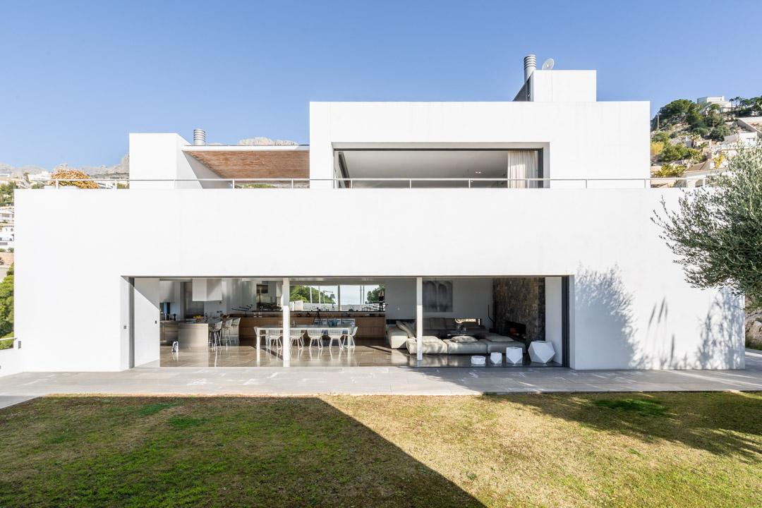 Luxury 5 bedroom villa for rent near Don Cayo Golf Club, Altea, Alicante