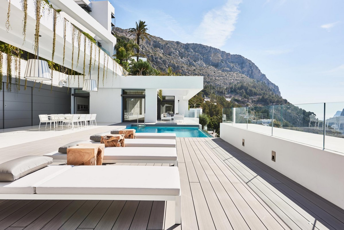 Luxury 5 bedroom villa with private pool set within Altea Hills for rent , close to Don Cayo Golf Course