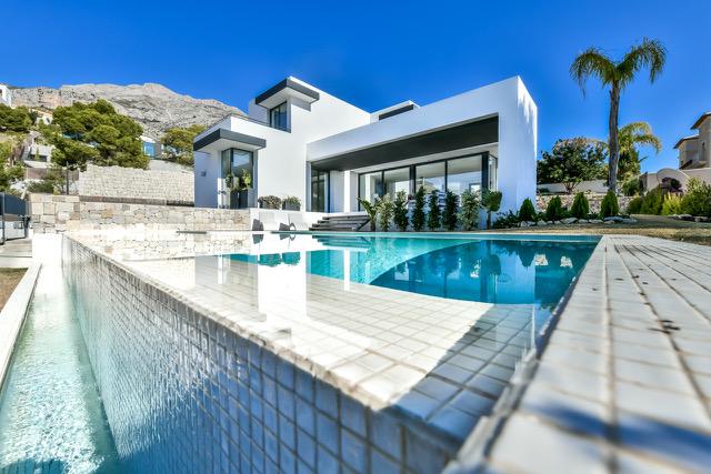 Luxury 3 bedroom modern villa close to Don Cayo Golf course , Altea Hills