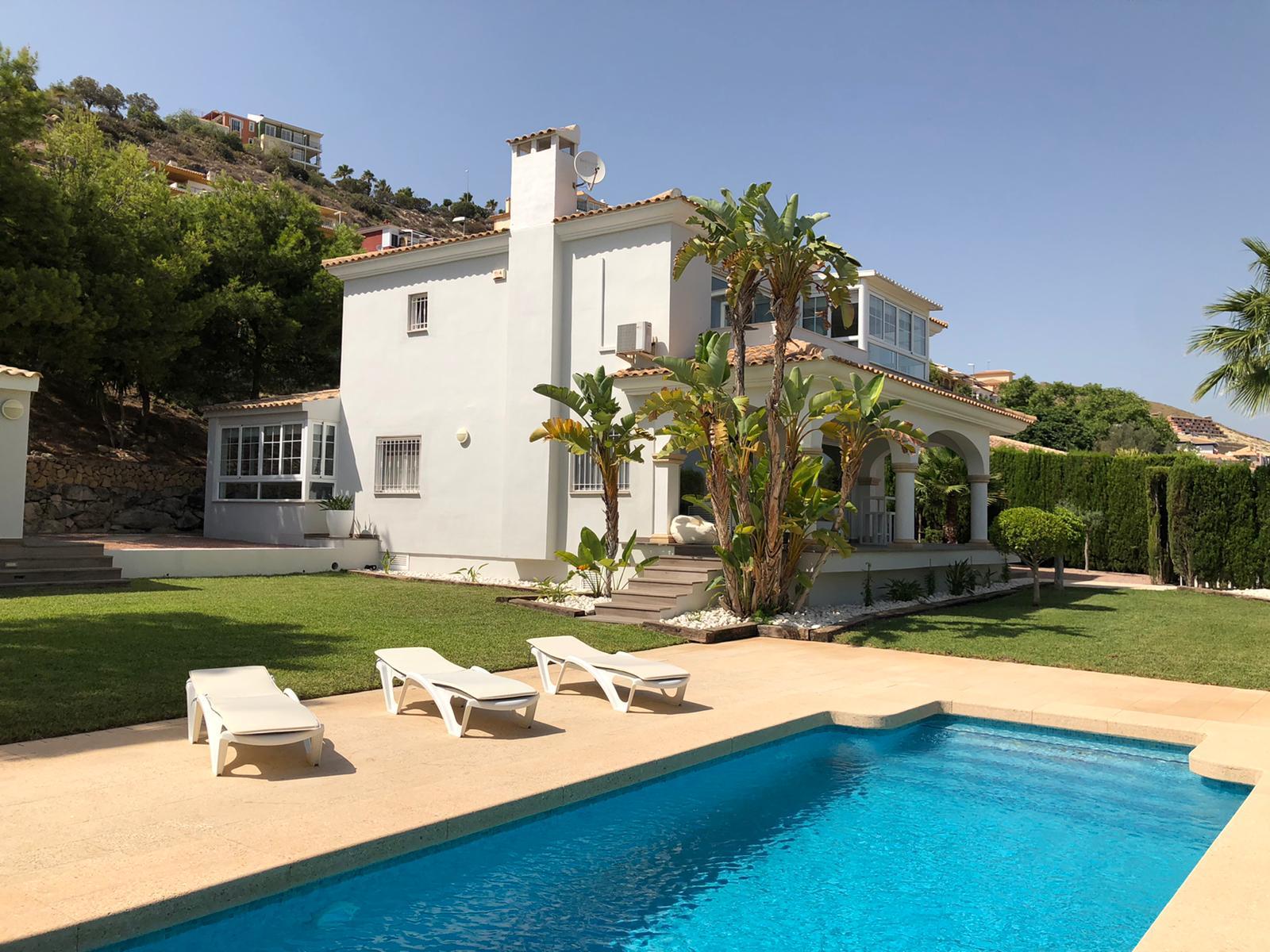 5 bedroom villa, Bonalba Golf Resort