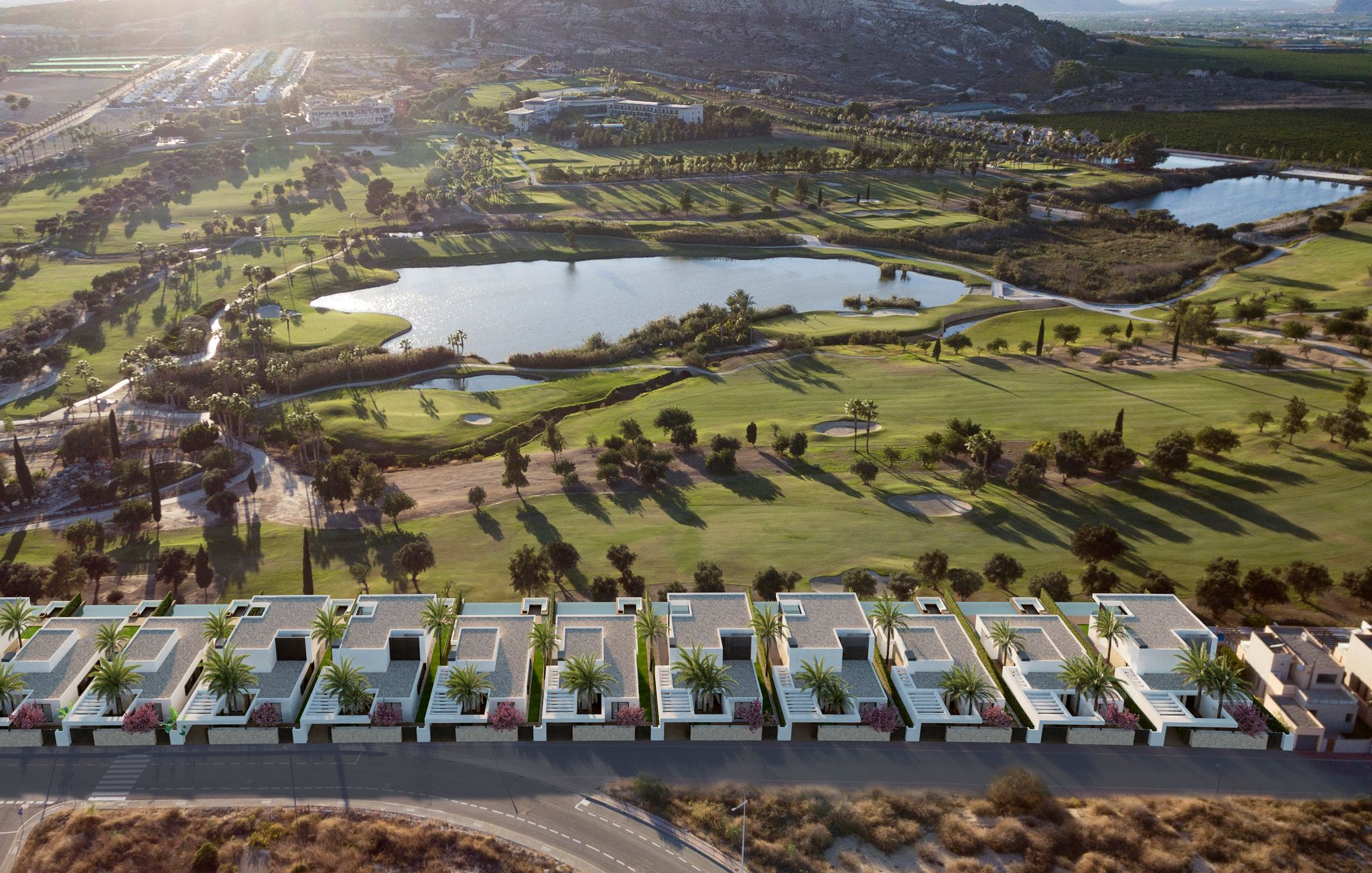 New luxury frontline golf villas at La Finca Golf Resort
