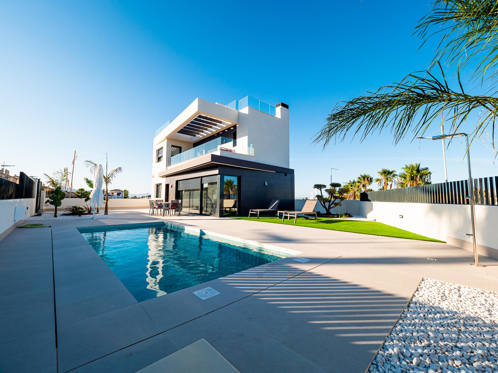 New build 3 bedroom villas with private pool on the popular La Finca Golf Resort